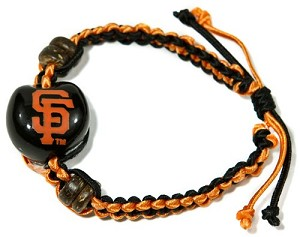 MLB SF Giants Kukui Nut Macrame Bracelet