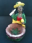 JAMAICAN WOMAN SMOKING ASHTRAY (LT129)